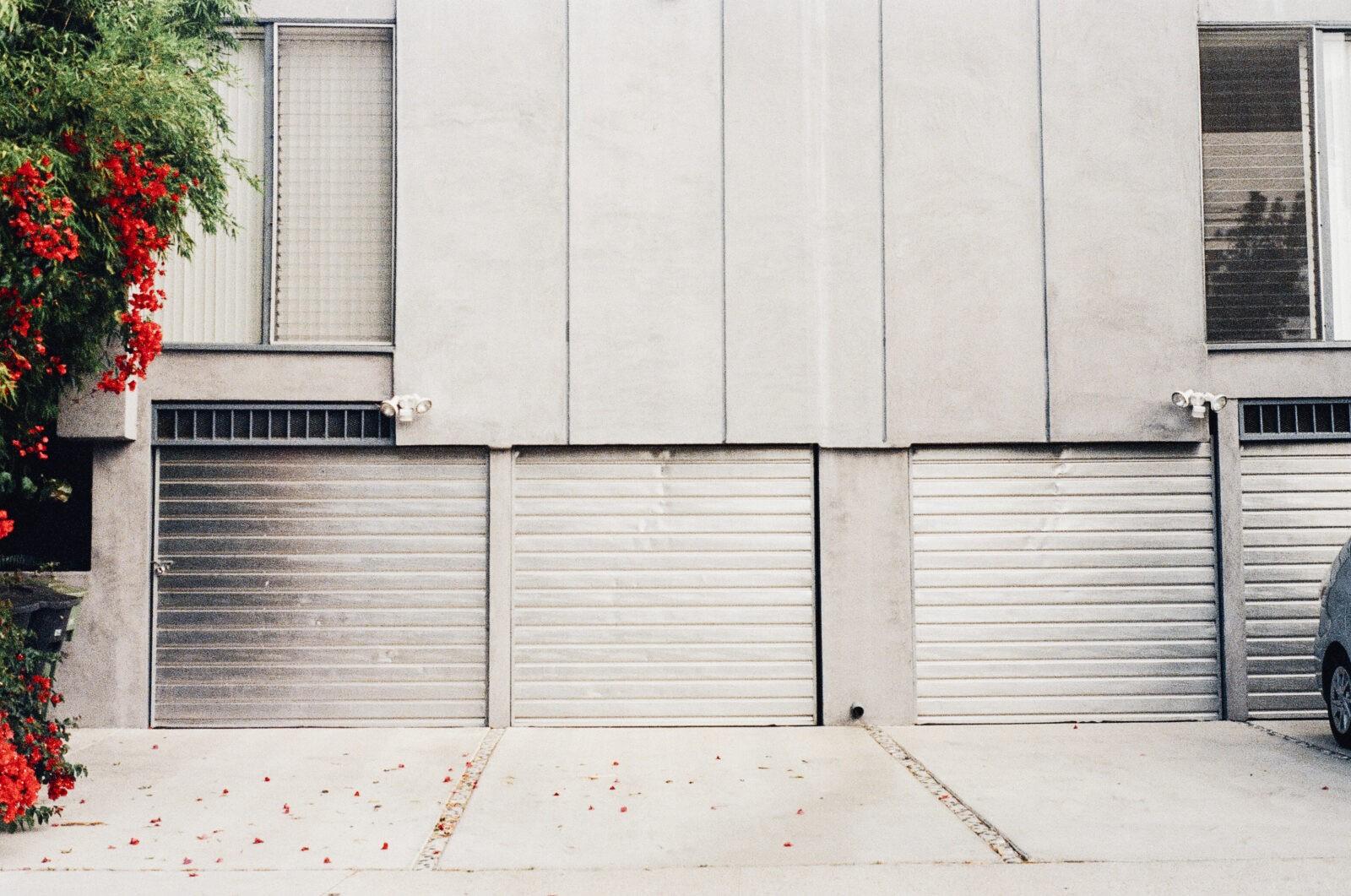 2017 garage door trends one clear choice garage doors for Garage door trends 2017