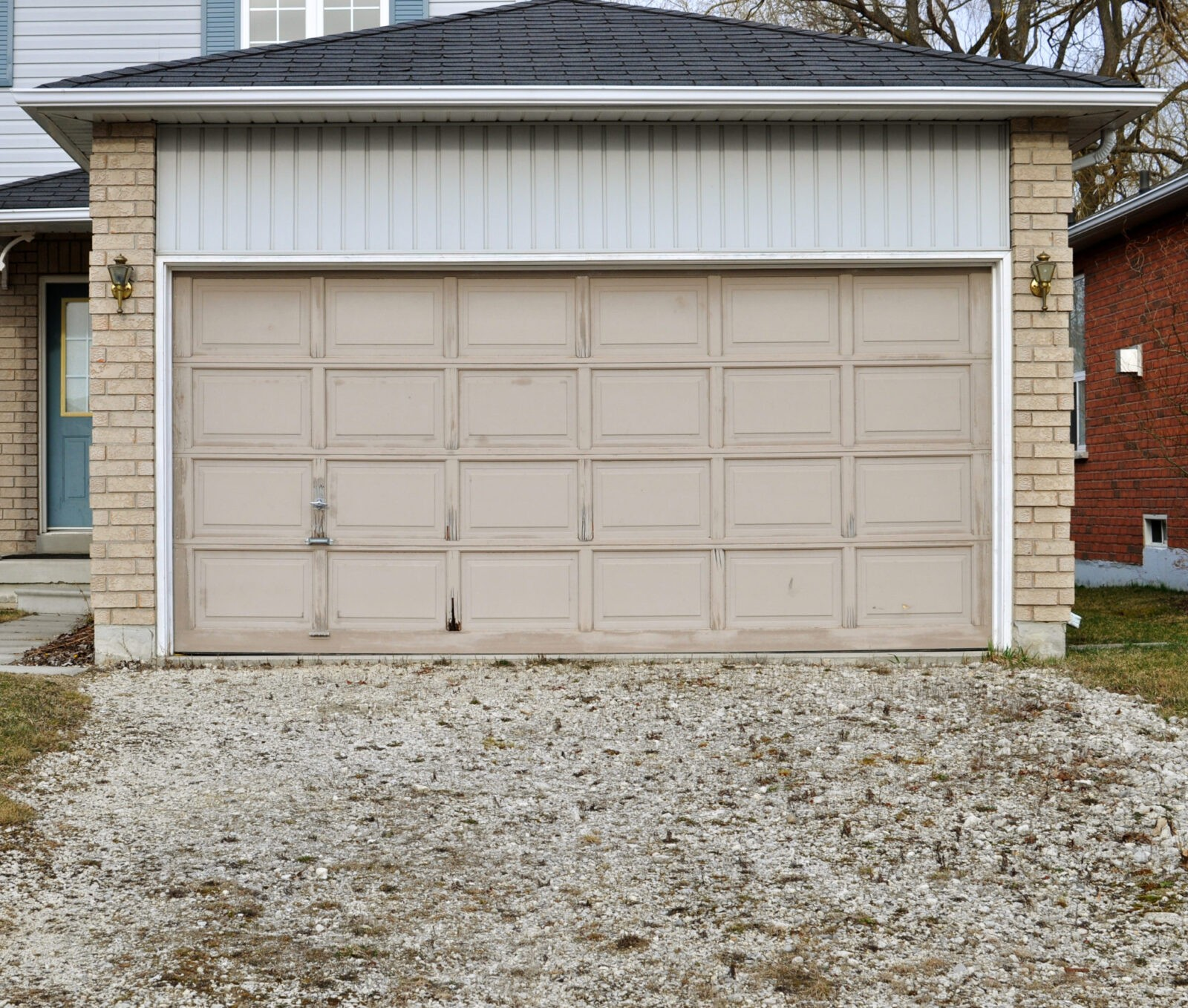 The Dangers Of An Old Garage Door